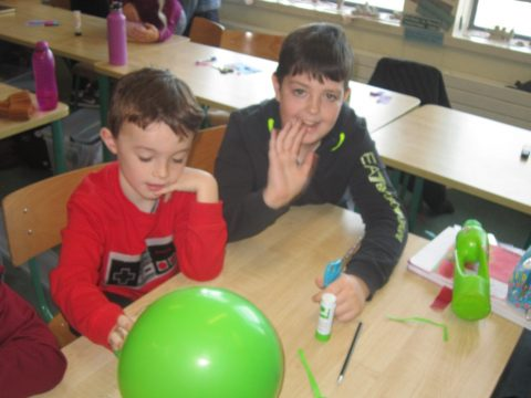 Science magic with the buddies – Dancing Snakes (6A and SIA)
